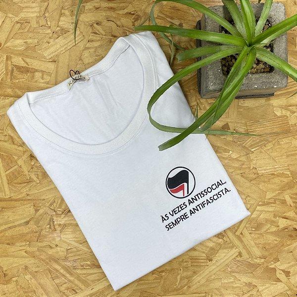 """Camiseta """"às vezes antissocial... sempre antifascista""""   Tamanho P"""