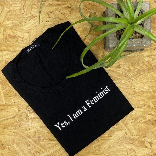 """Camiseta """"Yes, I am a feminist""""   Tamanho P"""