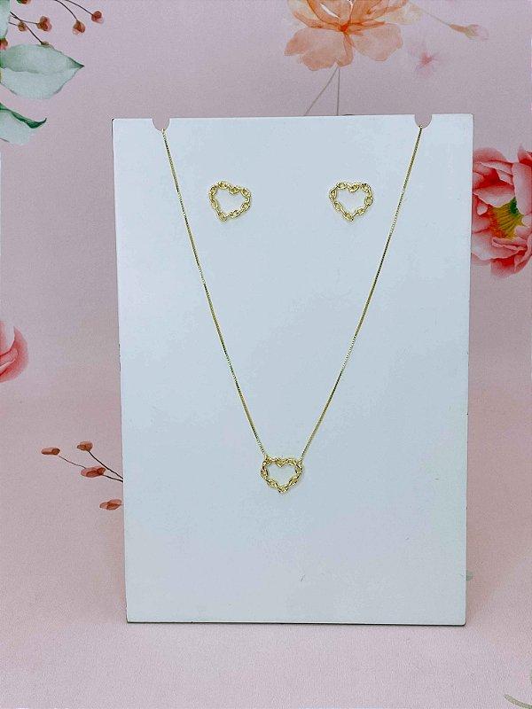 Conjunto colar e brinco coração com mini elos dourados