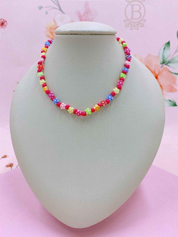Colar chocker com mini florzinhas coloridas e miçangas - fúcsia, amarelo neon ou rosa