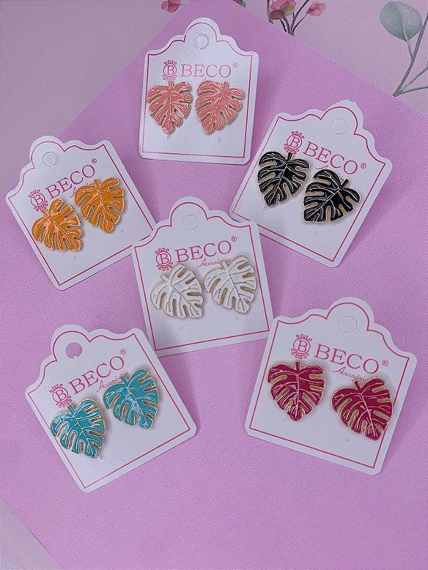 Brinco folha Costela de Adão dourada e esmaltada P-branco,rosa claro,laranja,preto,pink ou verde tiffany