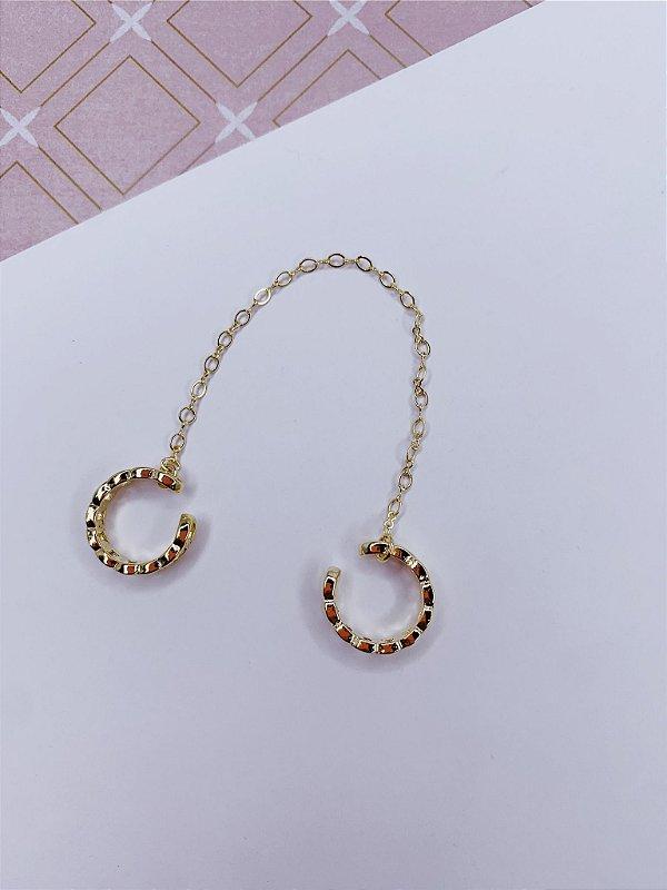 Piercing fake dourado de corrente duplo