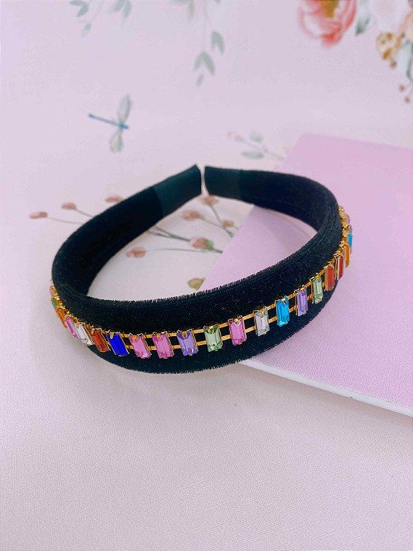 Arco Veludo preto e pedrinhas coloridas