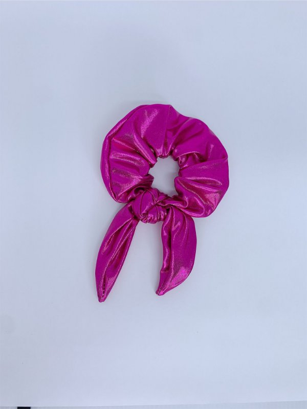Scrunchie metalizado - rosa