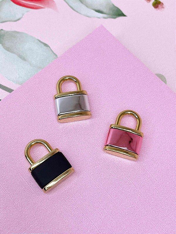 Pingente dourado de cadeado-rosa,preto ou prata