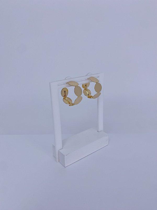 Brinco de argola pequeno de bolinhas achatadas - prata ou dourada