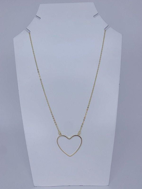 Colar delicado coração vazado dourado