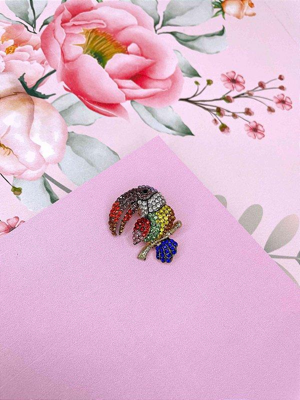 Broche Tucano com strass colorido