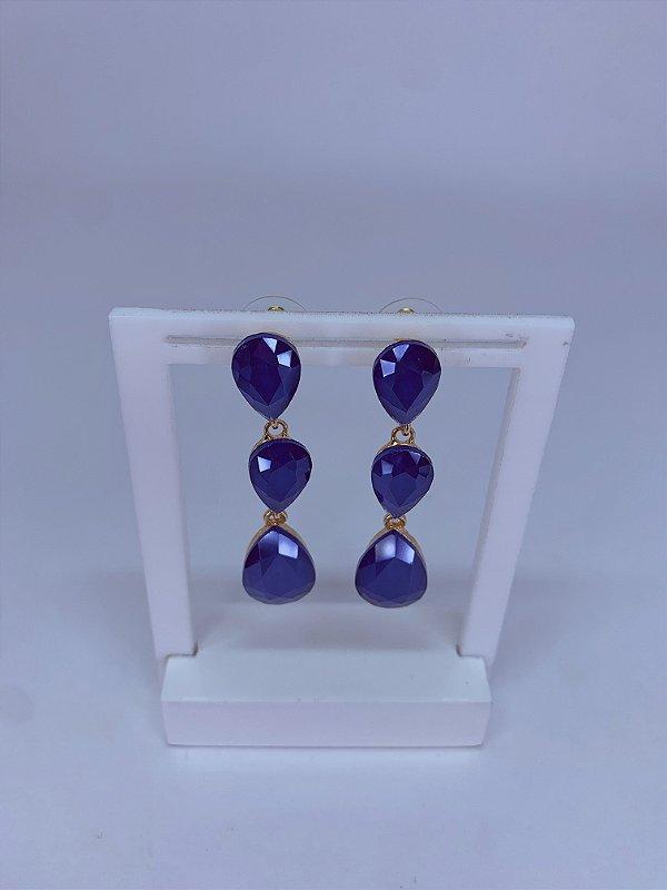 Brinco dourado com 3 pedras em formato gotas azul royal