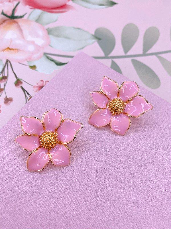 Brinco Flor margarida esmaltada - branco, pink, azul, rosa claro ou amarelo