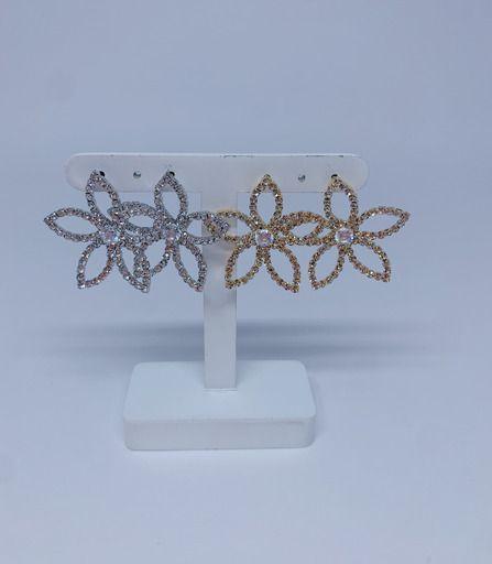 Brinco flor vazada de strass - prata ou dourado