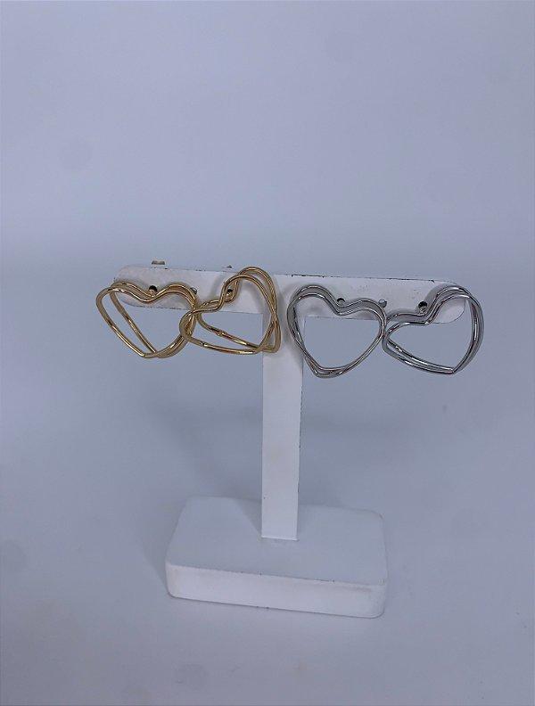 Brinco coração médio vazado - prata ou dourado