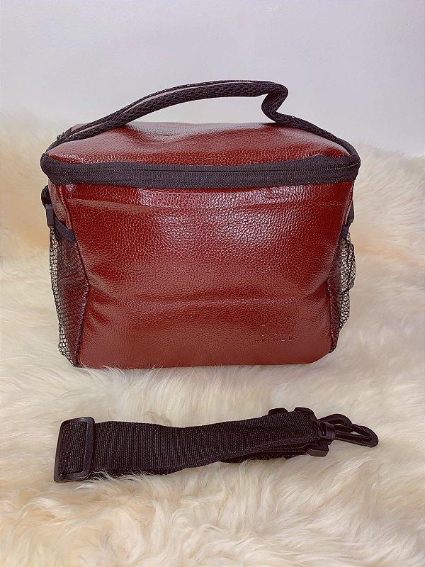 Necessaire térmica,com bolso de tela na lateral e alça ajustável -marrom