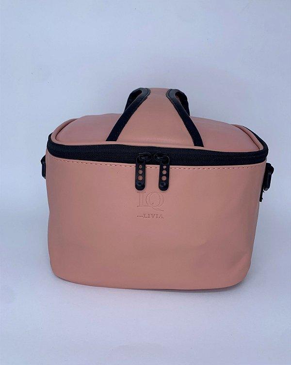 Necessaire térmica quadrada courino rosa claro  com alça ajustável