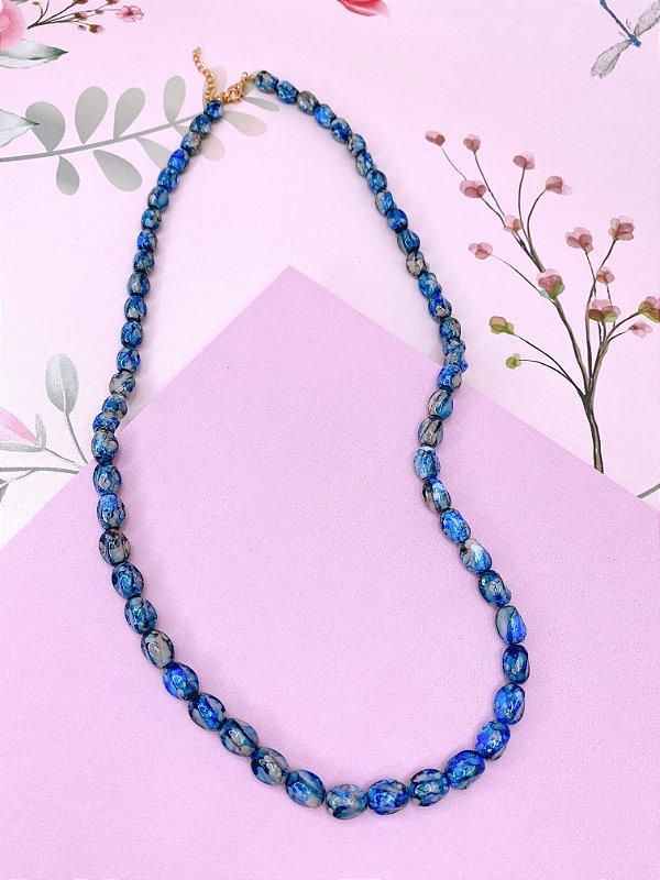 Colar pedras mescladas nos tons de azul