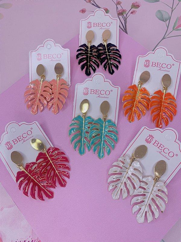 Brinco folha Costela de Adão dourada e esmaltada-branco,rosa,laranja,preto,rosê ou verde tiffany