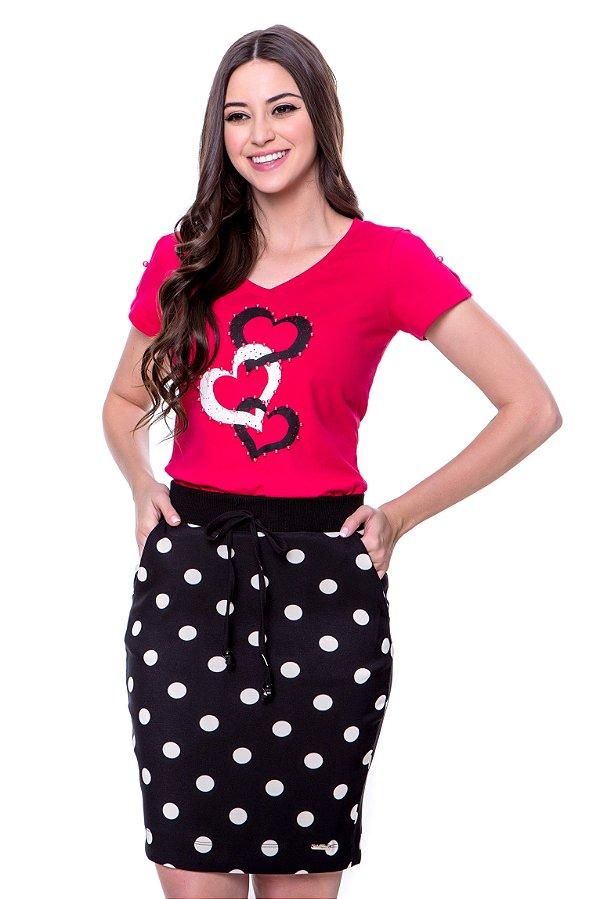 Conjunto blusa de malha de algodão com estampa local e bordado de pérolas saia de bengaline poá.