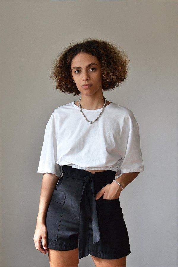 Blusa cropped com elástico na barra