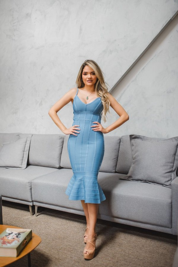 Vestido de Bandagem Midi Azul