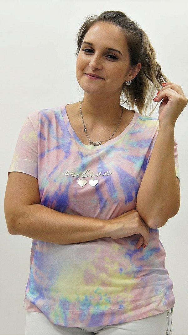 T-shirt Meia Malha Candy Colors Detalhe Aplique Coração In Love