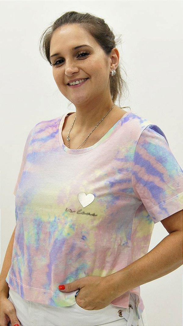 T-shirt Cropped Meia Malha Candy Colors Detalhe Aplique Coração In Love