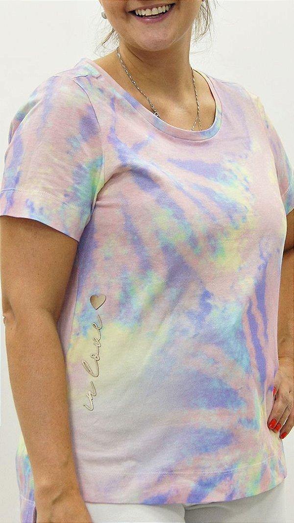 T-Shirt Meia Malha Candy Colors Detalhe aplique Coração In Love Lateral