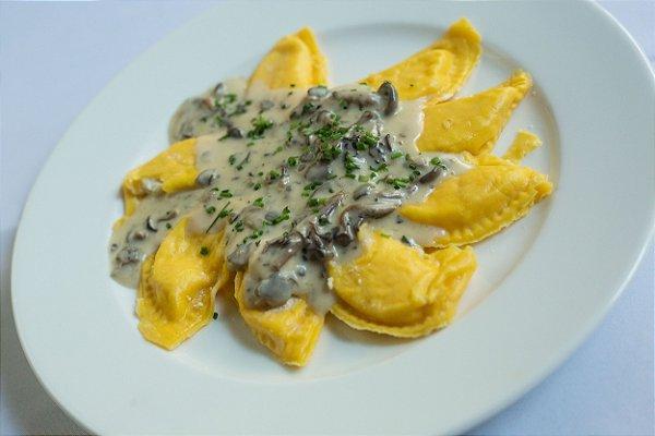 Mezzelune Di Brie Al Prosecco e Funghetti