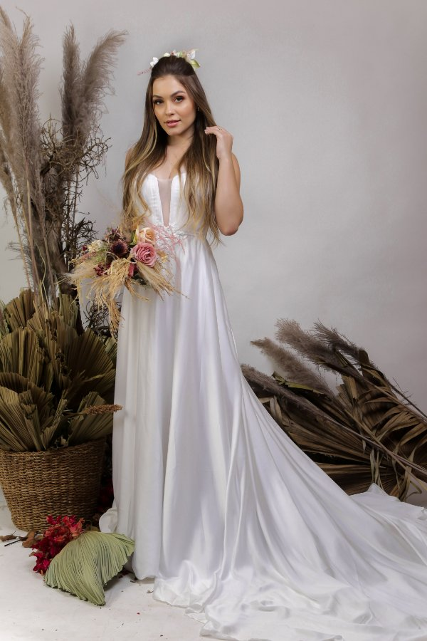 Vestido de Noiva Minimalista com Decote Transparente - KATRIN
