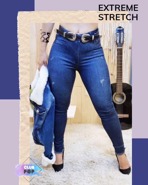 Calça Jeans Skinny Escura com puídos