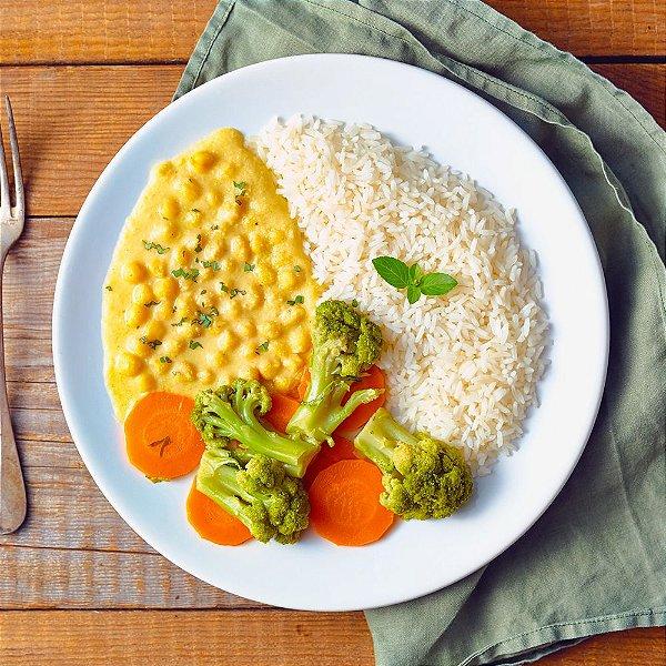 Curry de Grão de Bico, Arroz e Mix de Legumes