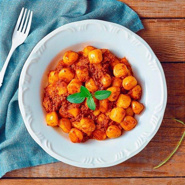 Nhoque de Batata com Molho de Tomate à Bolonhesa
