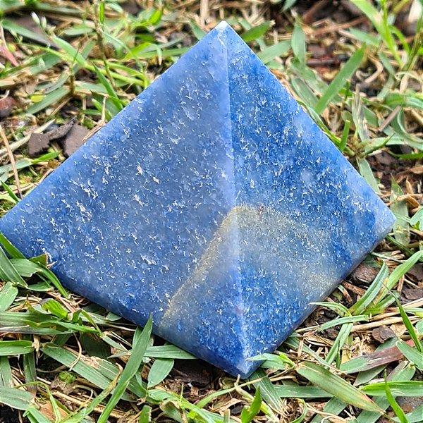 Piramide  Quartzo Azul 5cm x 5,5cm