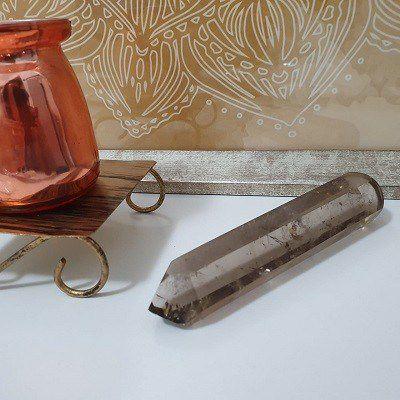 Ponta de Cristal Fumê para Massagem e Limpeza Energética - 125 Gramas 2.5cm x 12.5cm