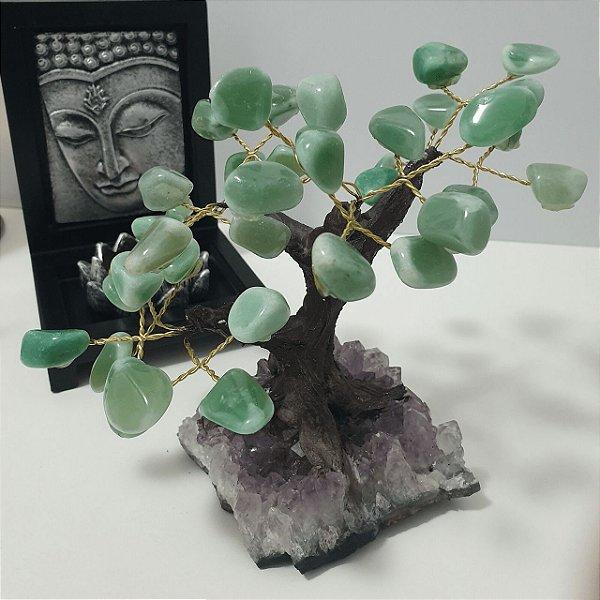 Árvore em Quartzo Verde com base em Drusa de Ametista - 594 gramas 10cm x 12cm