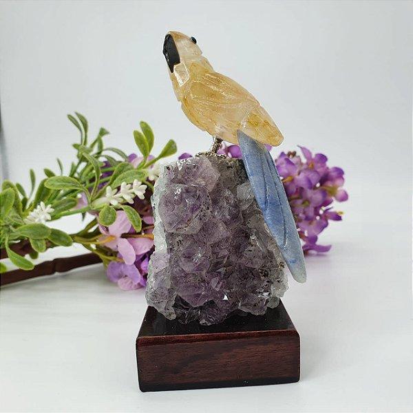 Pássaro em Citrino com Base em Ametista