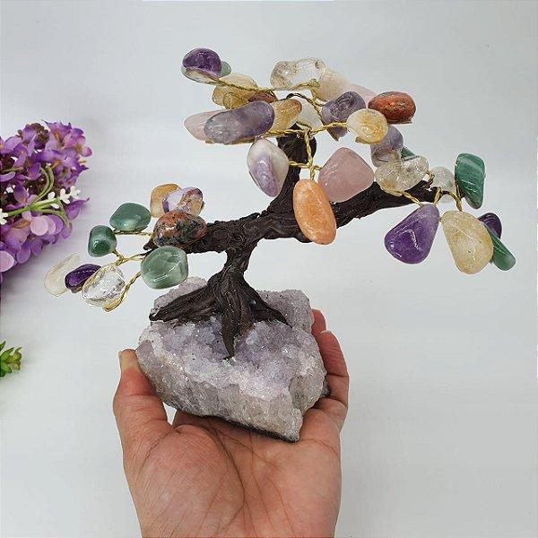 Árvore em Pedras Mistas com Base em Drusa de Ametista - 15cm | 708g