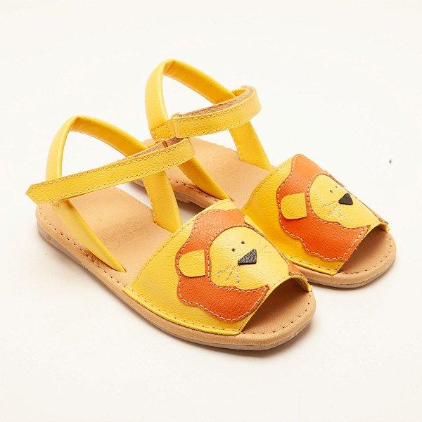 Sandalia amarela Leão