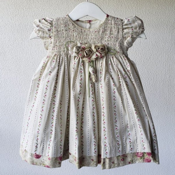 Vestido bebe bege florzinhas