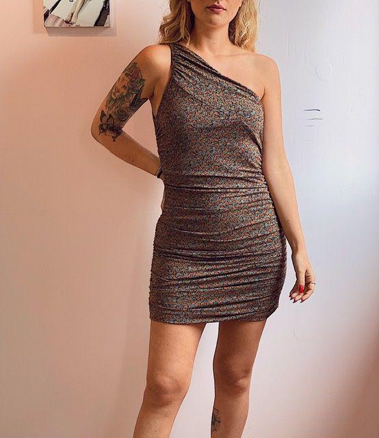 Vestido ombro único