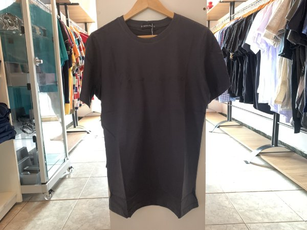 Camiseta masculina cinza escuro G