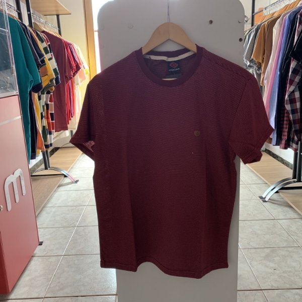 Camiseta masculina vermelho P