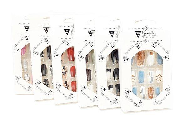 Embalagem Com 12 Unhas Postiças Decoradas - Colorida