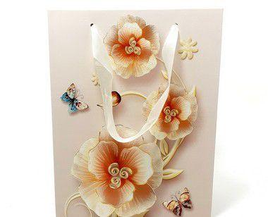 Sacola De Papel Com Alça Para Presente - Flores E Borboletas