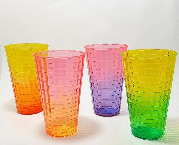Copo De Plástico Colorido 3D - 630ml