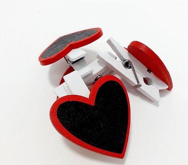 Pacote com 4 Mini Pregador De Madeira - Temático Coração