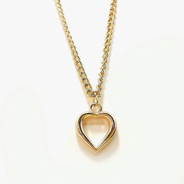 Colar Dourado Com Pingente Coração Pequeno