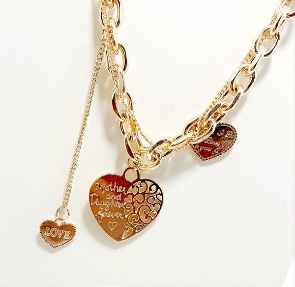 Colar Com Corrente Grossa Dourado Com 3 Pingentes - Coração Mãe