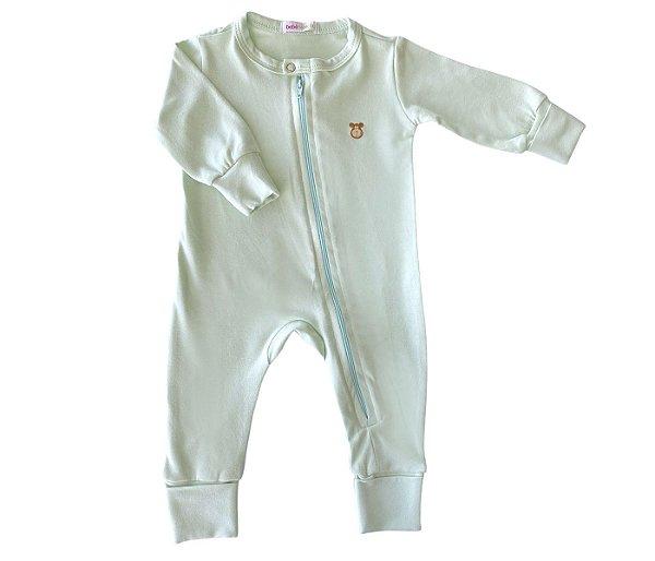 Macacão Bebê Básico cor verde, mais conforto e praticidade para as mamães.