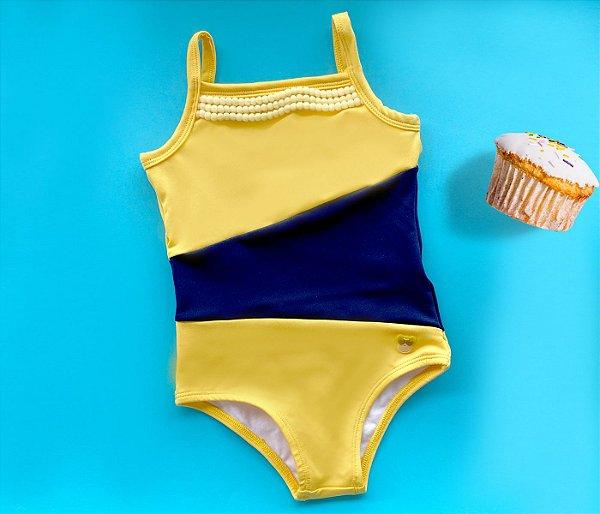 Maiô  Malha Proteção Amarelo com Azul e pompons
