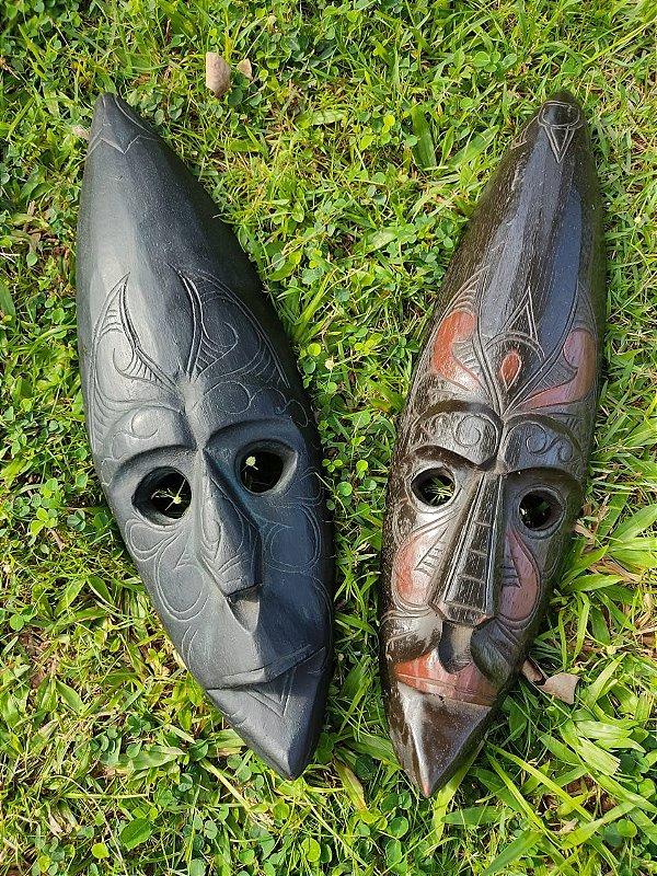 Máscara Indonésia de Olhos Vazados Madeira